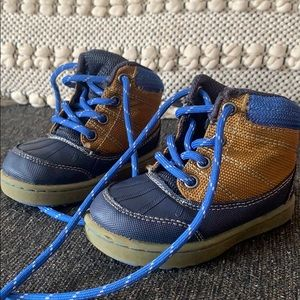 Baby/toddler boys size 5 like new winter boots